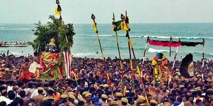 திருச்செந்தூரில் இன்று சூரசம்ஹாரம்: உள்ளூர் விடுமுறை