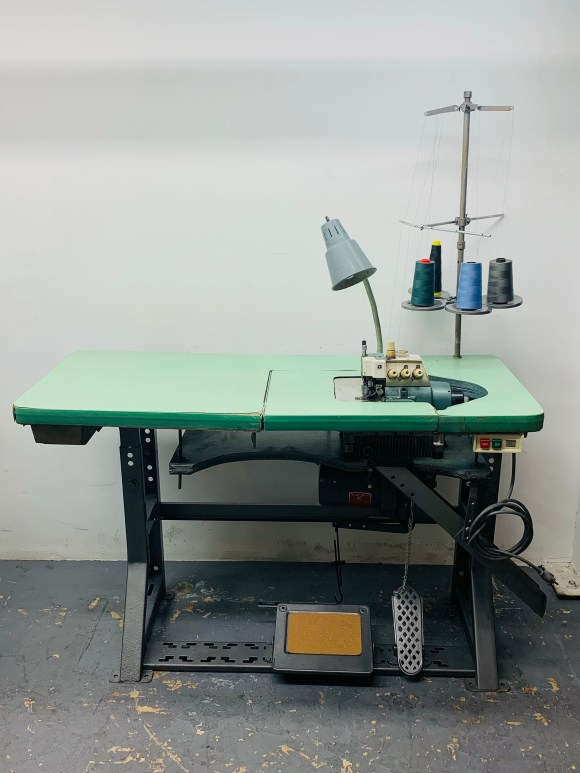 Juki MO-812 Heavy Duty 3/4 Thread Serger Complete Table Stand & 110 Clutch Motor