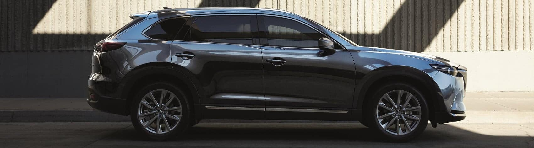 hight resolution of both mazda and acura know what they re doing when it comes to luxury suvs dripping with elegance and style they re known to make a scene whether you re on
