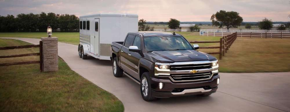 medium resolution of 2019 chevy silverado 1500 towing a trailer