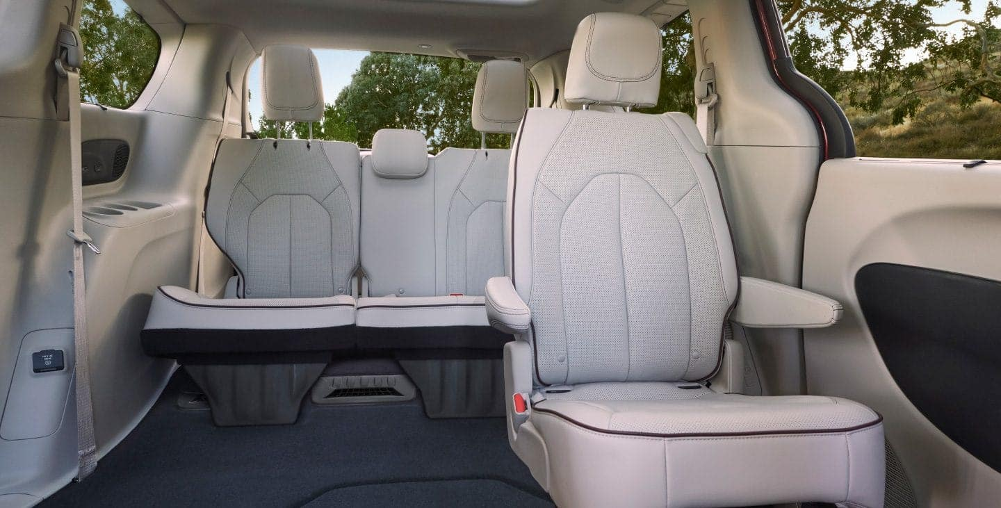 hight resolution of 2019 chrysler pacifica interior available in salisbury md