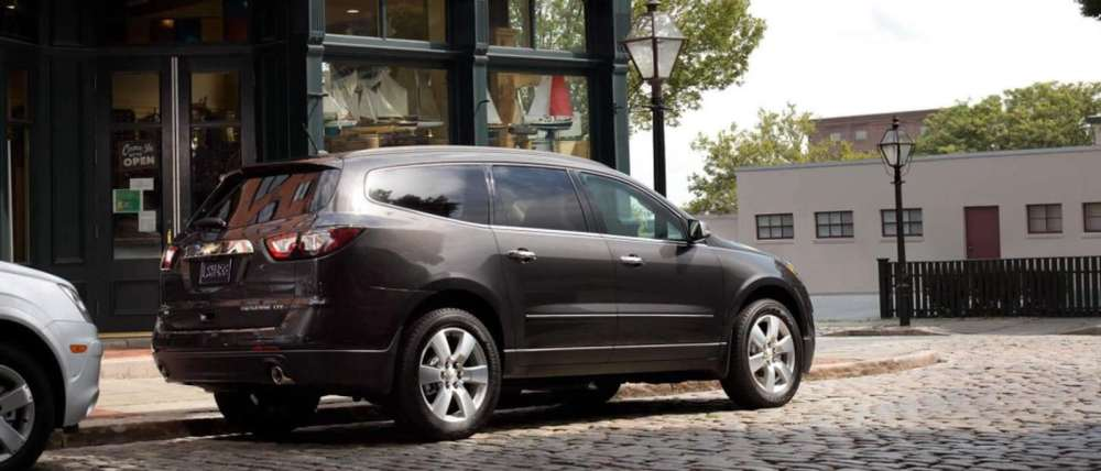 medium resolution of  2015 chevy traverse side view