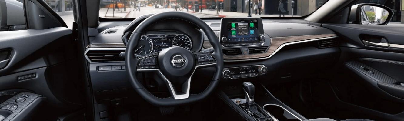 2019 nissan altima interior features