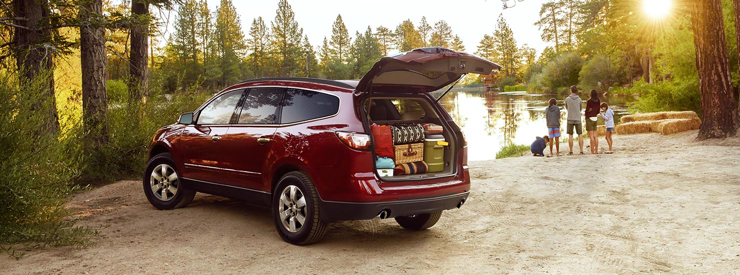 hight resolution of 2017 chevrolet traverse crossover suv mo design 1480x551