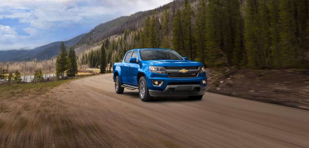 medium resolution of like the interior the 2019 colorado and 2019 canyon are identical under the skin both models feature three engine options starting with a 2 5 liter