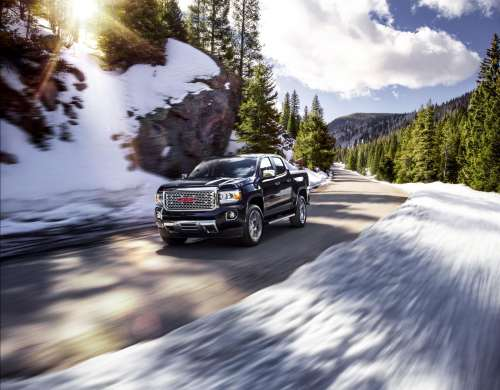 small resolution of finally the 2019 colorado and 2019 canyon share a range topping diesel engine this 2 8 liter four cylinder turbo diesel engine cranks out 186 horsepower