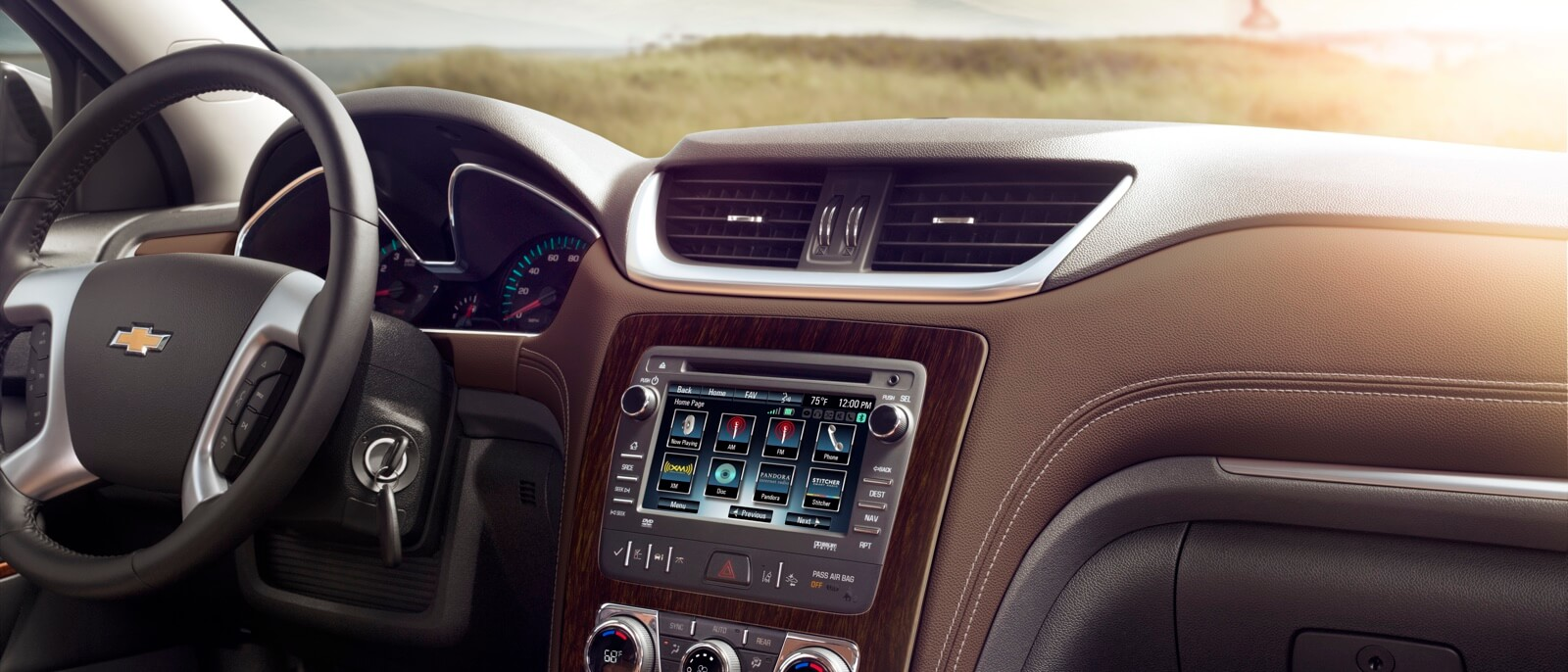hight resolution of 2017 chevy traverse interior features