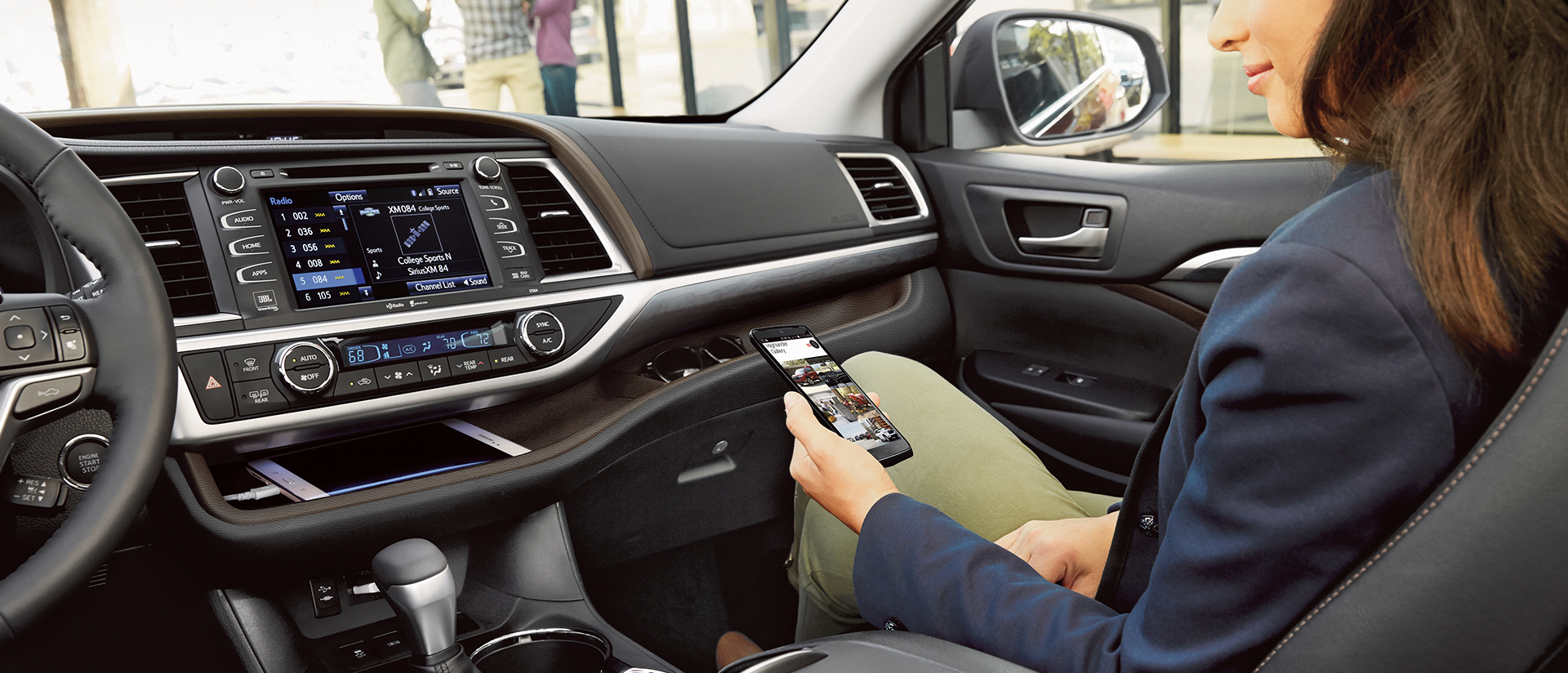 Tour the 2017 Toyota Highlander Interior Design and Features