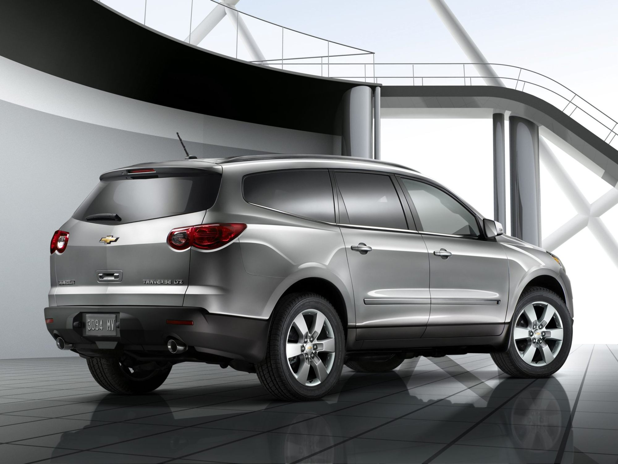 hight resolution of 2011 silver used chevy traverse