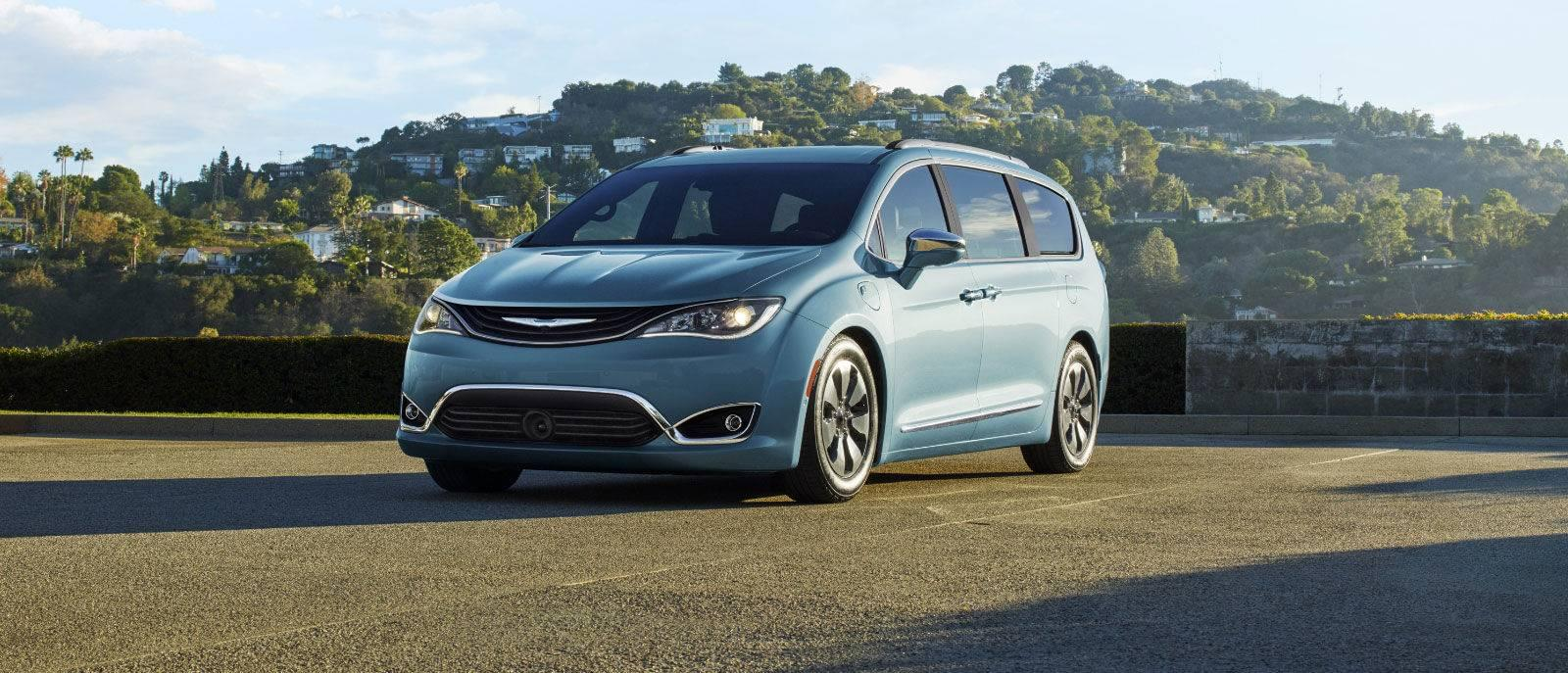 hight resolution of 2017 chrysler pacifica blue exterior