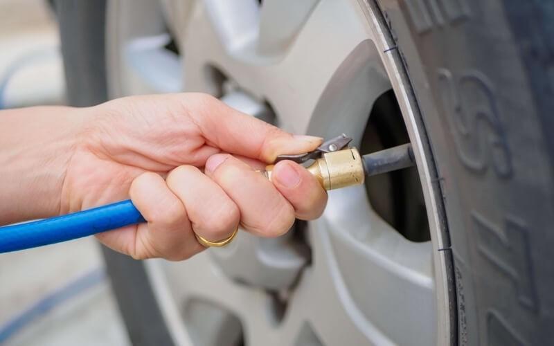Filling Air Car Tires