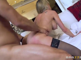 Hot milf Brandi Love gets some young cock – Brazzers
