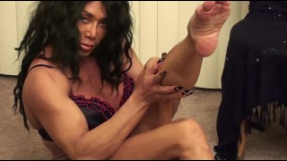 Goddess of Foot Fetish Videos Puts On A Show