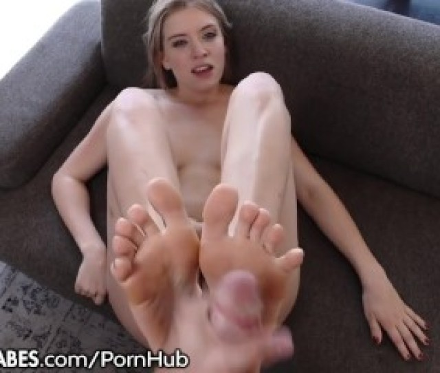 Giselle Palmer Cum On My Feet With Your Cock