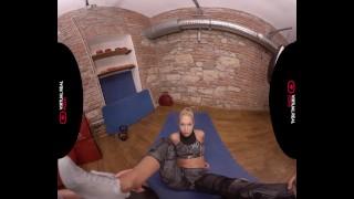 VirtualRealPorn.com - Alone in the gym