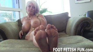 Foot Worshiping Fantasy And Femdom Feet Porn