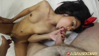 Asian Sex Diary - Asian hottie gives up her pussy to large white cock