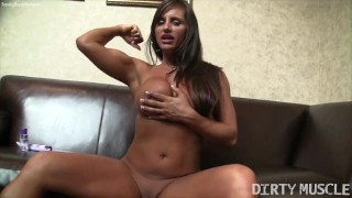Female Muscle Pornstar Nikki Jackson Fucks Both of Her Holes With Toys