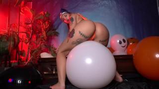 PAWG Stella Rae Spooky Halloween Balloon Popping - Amateur Boxxx
