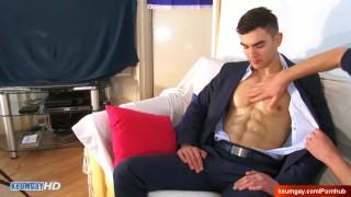 Insurrer guy in a gay porn in spite of him : Alex