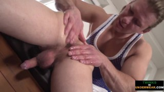 Massage jock coaxes cumshot from young twink