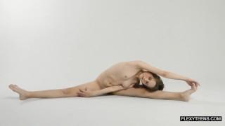 Abel Rugolmaskina brunette naked gymnast