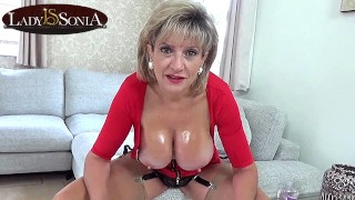 Lady Sonia wants you to wank to her sexy body