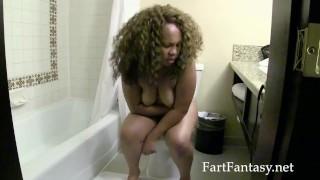 Nilaya Brown Farts on Toilet