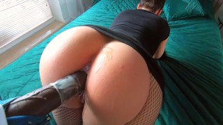 Amateur Chick Take a Big Cock To Her Tight Pussy First Time