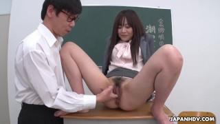 Japanese teacher, Asuka Kyono got fingered, uncensored
