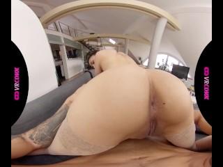 VRConk Secret services of european maid VR Porn