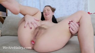 Lexx Lewis masturbates on her couch