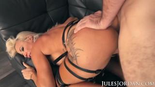 Jules Jordan - Busty MILF Robbin Banx Gets Maximum Penetration