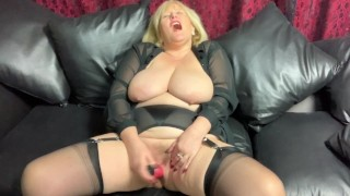 British Mature takes a Vibrator deep in her Pussy.