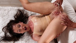 Piss Play With Gorgeous Jessica Rox