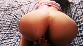 She masturbates, then gives her friend a fantastic blowjob