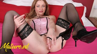 Hot Solo MILF Loves to Masturbate with Adult Toys