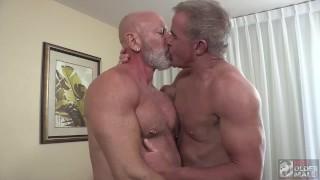 Dad's Trip: Dale Savage Bareback's Hot Daddy Bottom