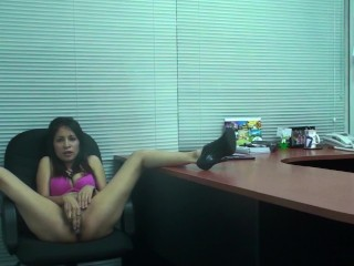 Sexy Manager – Streaming Vibrator Play from Her Office