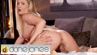 Dane Jones Cayla Lyons gives a big dick blowjob and has intense orgasm
