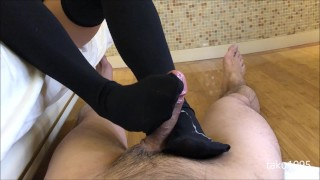 short stocking foot job cum with oil massage i feel so hot(front cam)♡ 足コキべとべとニーハイぶっかけ(フロントカメラ)