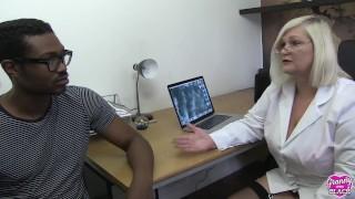 GRANNYLOVESBLACK - Dr. Laceys Big Problem