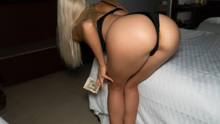 18 yo Stripper takes 35$ to fuck for First Time w/out Condom with Stranger in hotel room CarryLight