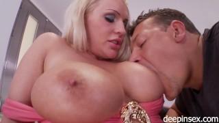 Sadie Swede likes big cock