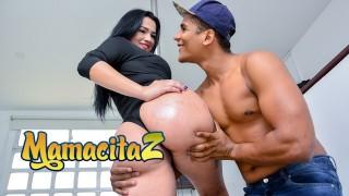CARNEDELMERCADO - MARIA DEL ROSARIO CHUBBY LATINA COLOMBIANA RIDES A THICK COCK! FULL SCENE