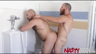 NASTYDADDY Ian Sterling Barebacks Muscular Bottom Major Mo