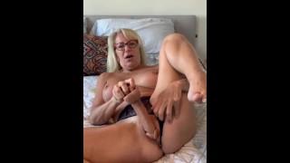 Big Dildo Pussy Fuck