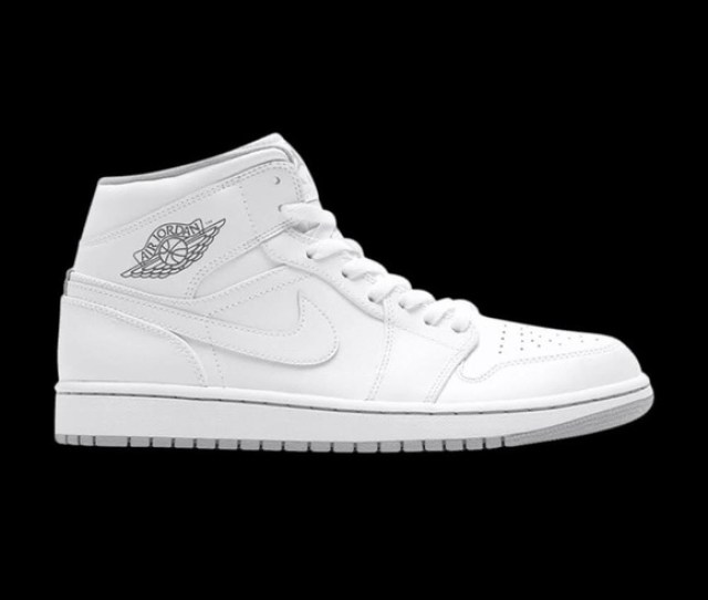 Low Top Jordan S All White