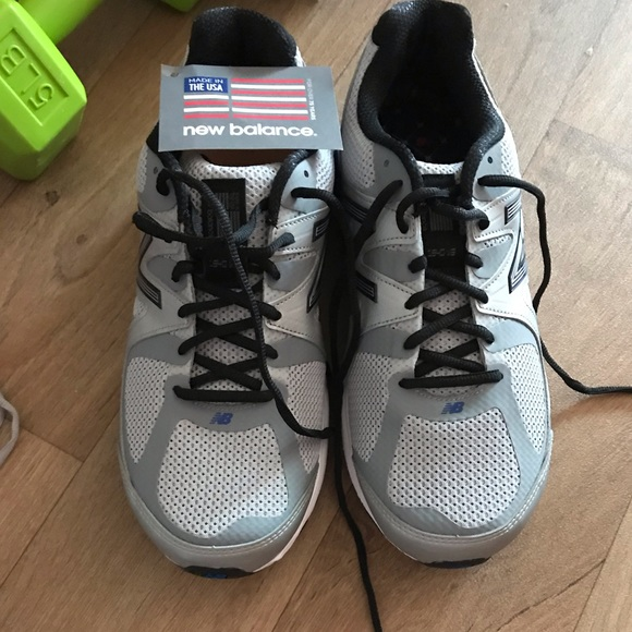 new balance sneakers nwt