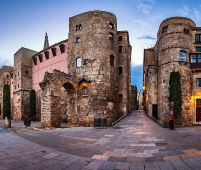 Picasso Museum And Gothic Quarter With Breakfast At Born Market Barcelona Spain